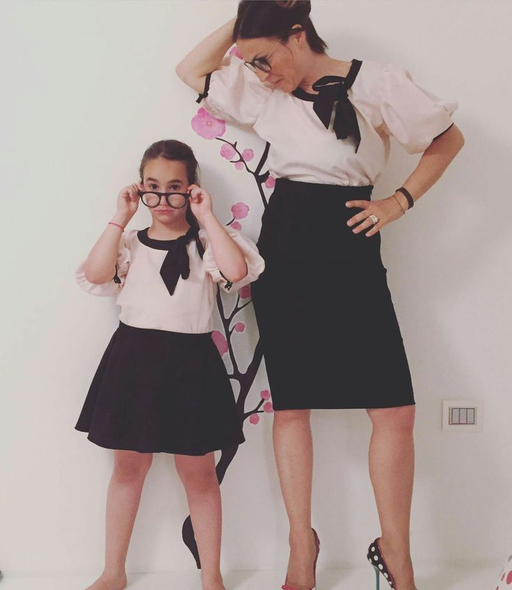 Nina rosa con fiocco nero in puro cotone popeline interamente cucita a mano made in Italy ❤