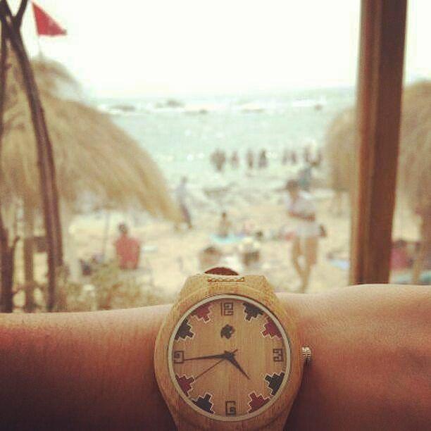 Últimos días de febrero aprovechando las vacaciones  desde #maitencillo con un Castor Diaguita  gentileza de @maydamoyano. Ven por el tuyo en www.castor-watches.com  envío gratis a todo #chile #castorwatches #castordiaguita #etnico #diaguita #ethnic #reloj #relojes #relojesdemadera #woodenwatch #watch #watches #diseñochileno