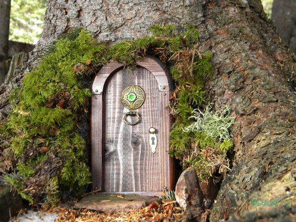 Magical door by on for The magic elf door