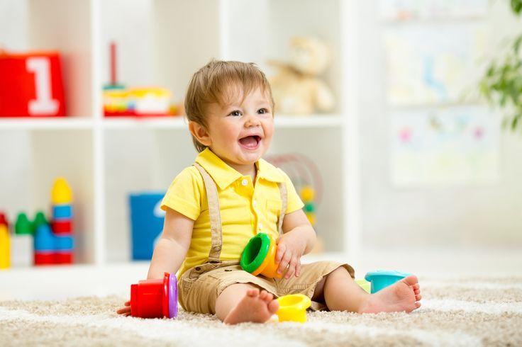 """Bebè """"green"""" in 5 mosse. Dalla carrozzina al passeggino, fino agli omogeneizzati, ai capi di abbigliamento e alla scelta dei colori per dipingere la cameretta: ecco i top 5 consigli per i genitori che vogliono prendersi cura del proprio bambino rispettando l'ambiente: http://verdepolenta.altervista.org/bebe-green-in-5-mosse/"""