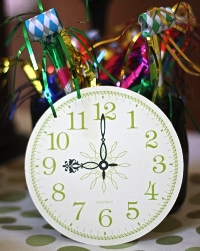 Tick, Tock Clock Theme: New Year's Eve Party Ideas / http://www.celebrations.com/article/tick-tock-clock-theme-new-years-eve-party-ideas