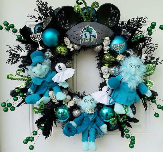 1305 best disney things to make images on pinterest disney disney hitchhiking ghosts haunted mansion wreath solutioingenieria Image collections