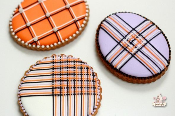 Piping Lines with Royal Icing Tutorial | Sweetopia---lovely, cleanly decorated, royal icing cookies!
