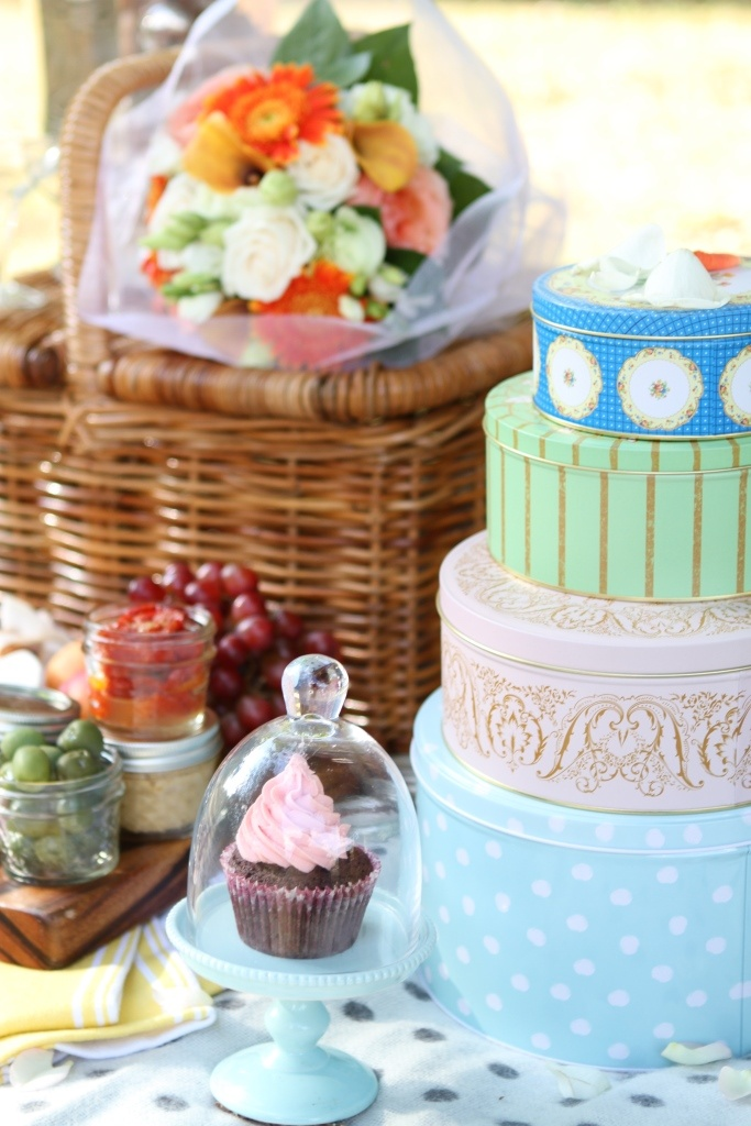 A gorgeous shabby chic wedding proposal picnic for two we did this week...
