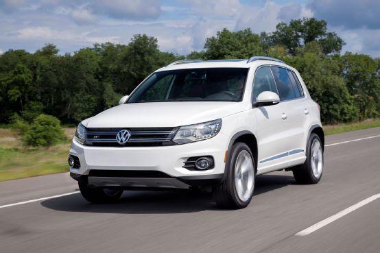2014 Volkswagen Tiguan R Line Front View In Motion