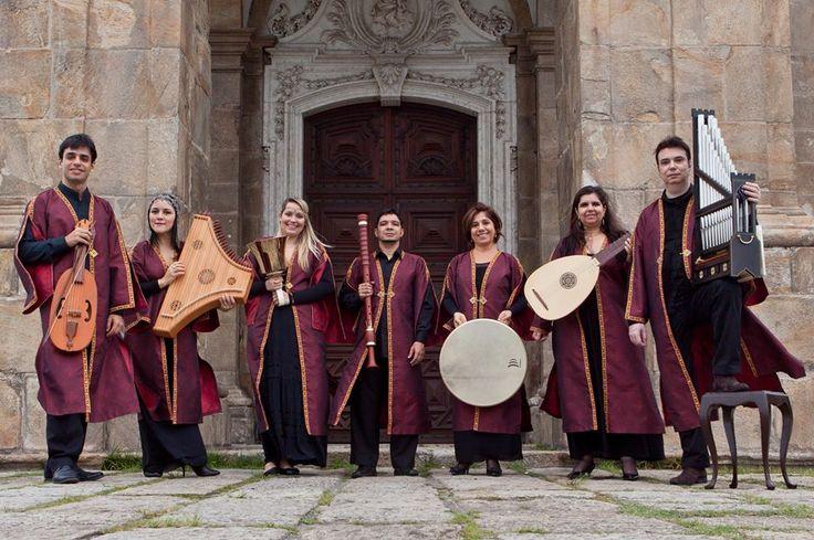 A programação conta com o grupo Codex Sanctissima que se apresenta com trajes de época e instrumentos raros no Brasil