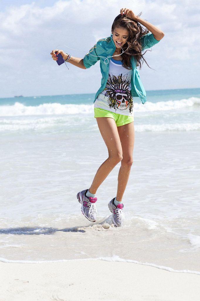 Нина Добрев — Фотосессия для «Seventeen Fitness» 2011 – 10