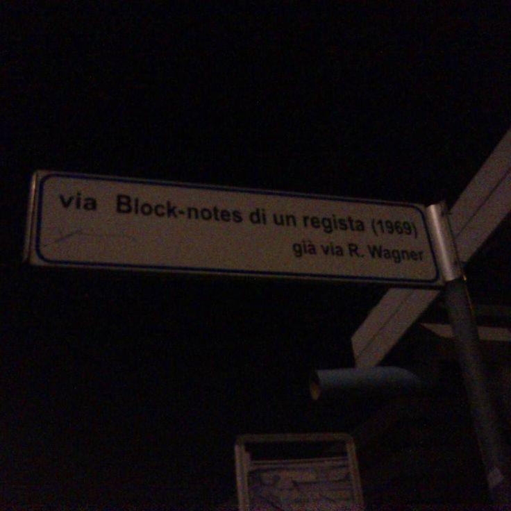 Ricordi di un capodanno #blocknotes #rimini #night #via #cartello by fammidomandefammipensare