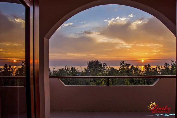 Make now your reservation for accommodation in spring and win 5% extra discount on the offers which there are already on our web site! #Liviko_apartments #Spring_offer #Frangokastello #Sfakia #Chania #Crete #Greece www.livikoapartments.gr Visit us all the year.... Explore Sfakia in South Crete.... Like.... Share.... Subscribe.... https://youtu.be/mv-b4iwMHpw