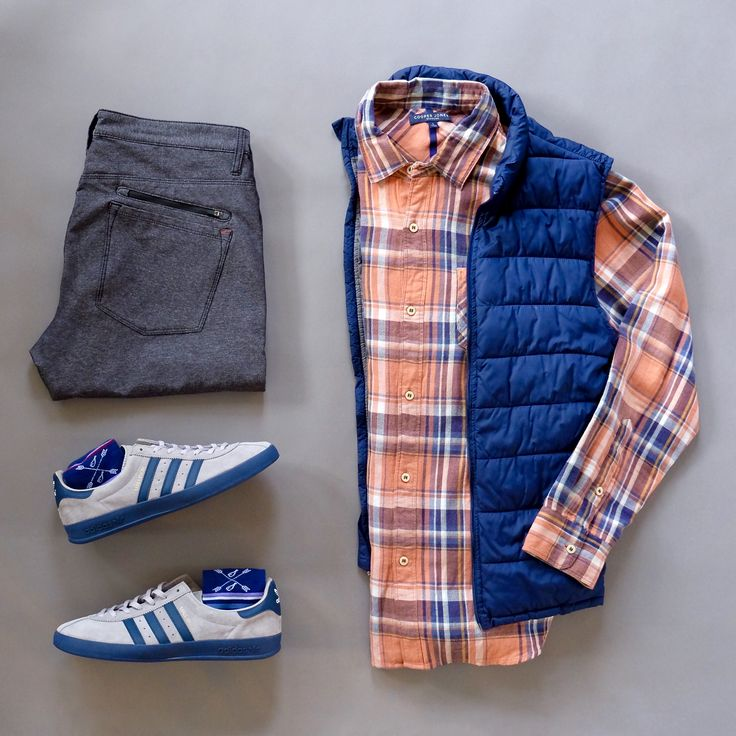Casual Saturday. It won't be too far long from now and it will be spring here in Arkansas. It's time to squeeze in all the layered combos I can before it's too late! I don't like winter but I know I'll miss layering. Flannel Shirt: @cooperjonessupply Socks: @thesouthernscholar Sneakers: @adidasoriginals Halsey Sport Pants: @halsey44 Vest: Tek Gear #flatlay #menswear #casual #mensfashion #sneakers