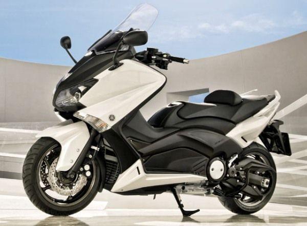 Yamaha TMax - MINE