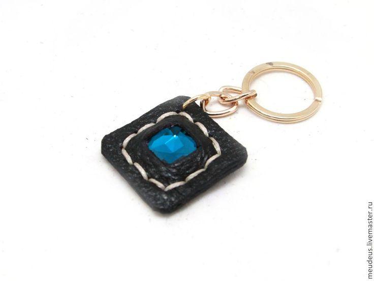 """Купить Брелок на ключи """"Почти сапфир"""" - черный, однотонный, брелок для ключей, брелок с камнем"""