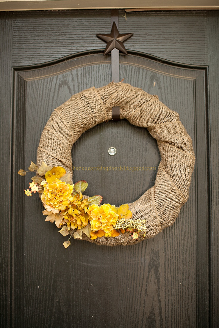 17 best ideas about burlap flower wreaths on pinterest for Diy jute