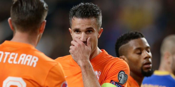 Van Persie et son partenaire en équipe national Huntelaar #Netherland #RVanPersie #FanEngagment #9ine @VanPersie