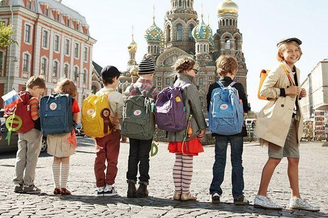 """Отличный подарок на новый год - оригинальный рюкзакFjallraven Kanken  На нашем сайте более 20 моделей, доступных к заказу А также в нашем магазине на м.Севастопольская в ТЦ""""Азовский""""  #streetstory #streetstory20 #kanken #kankenbackpack #kankenbag #backpack #backpackbag #bag #bags #backpacker #backpacking #рюкзак #рюкзаки #рюкзакмск #рюкзакспб #портфель #городскойрюкзак #рюкзаксумка #style #streetstyle #мода #стиль #уличнаямода #fox #лиса"""