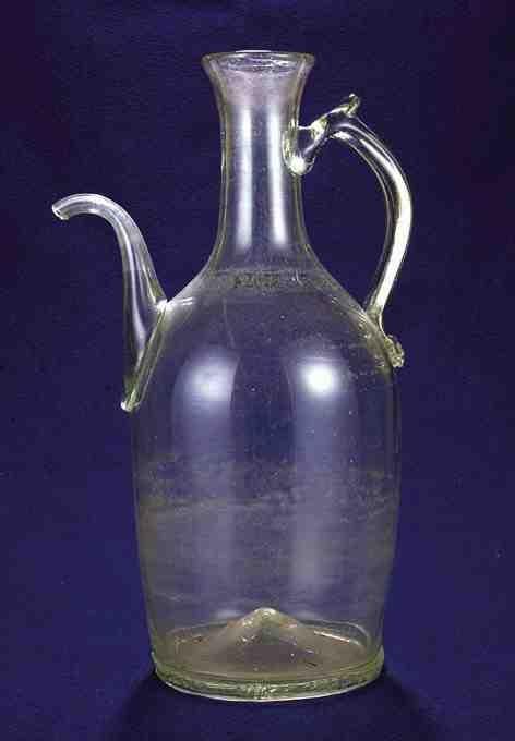 Liquor bottle from Kingdom of Hungary / Transylvania, 18th century. Ottó Herman Museum, Miskolc, Hungary.