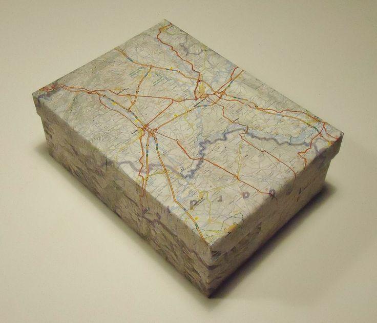DIY werelddoos: schoendoos versiert met landkaart