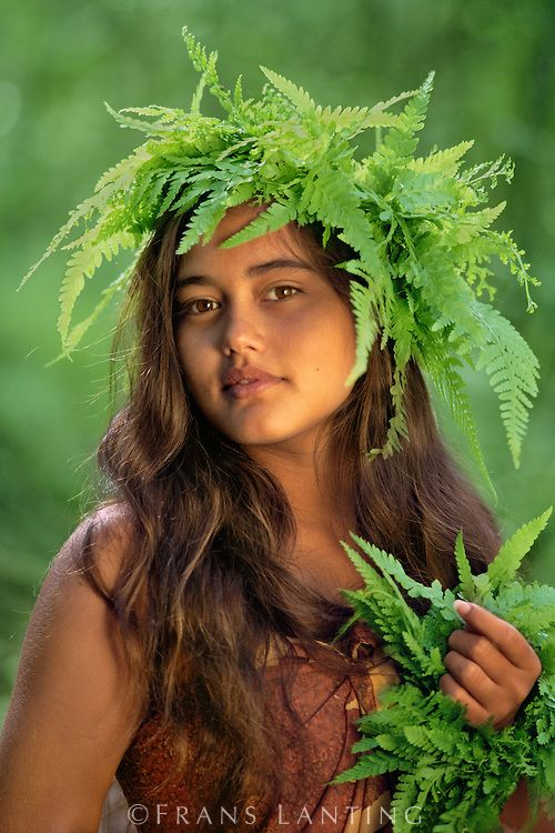 Polynesian Island Girls | Hawaiian girl with fern, Kauai, Hawaii
