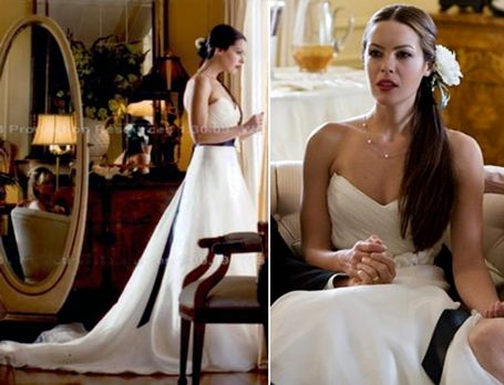 "Tracy Garner (Sasha Barrese) wearing Amsale (""Tyler"" gown) in the movie 'The Hangover'"