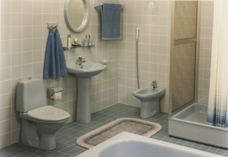 Sinistä sen olla pitää! Trendikäs kylpyhuone 1970-luvulta.
