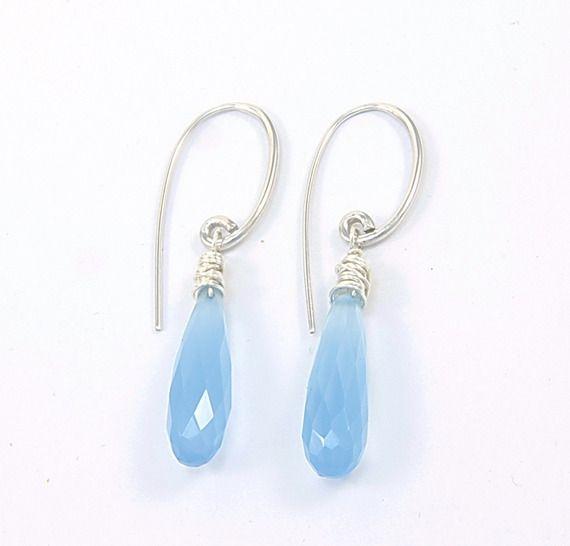 Boucles d'oreilles goutte en pierre de calcédoine bleu et argent massif