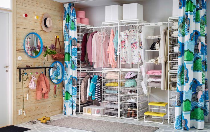 Abram-se as cortinas, veja-se o closet. Porque não? #decoração #hall #entrada #IKEAPortugal