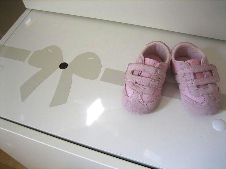 Rusettiteippaus #vauvanhuone #babyroom #baby #romanttinen #hempeä #maalaisromanttinen