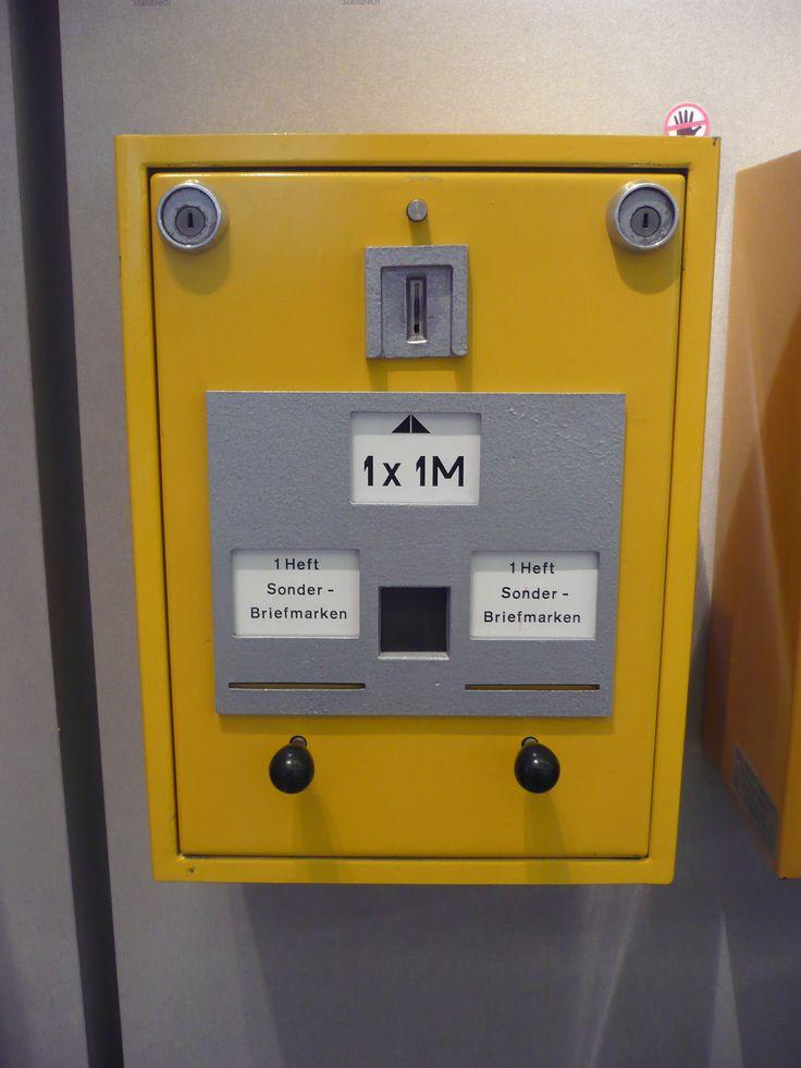 https://flic.kr/p/Gd3dWr | DDR Briefmarken Automat | gesehen im Museum für Kommunikation Berlin