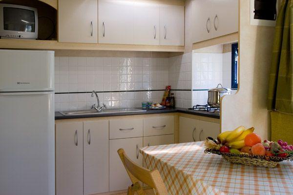 Рабочая зона кухни в бунгало 2