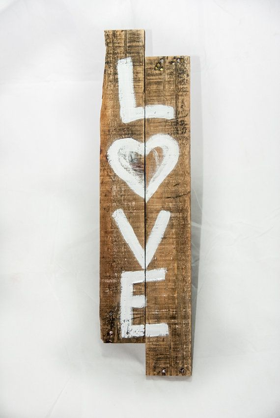 Shaped like an arrow; Rustic love sign - Simply Pallets