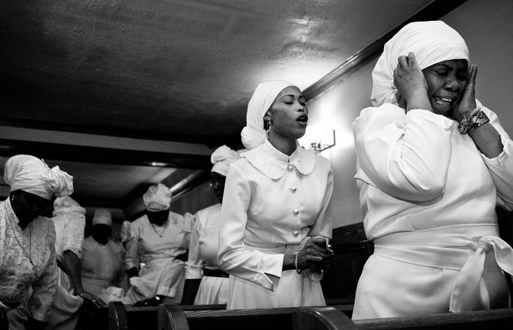 : Singles, Allison Joyce photojournalism documentary NGO editorial commercial corporate