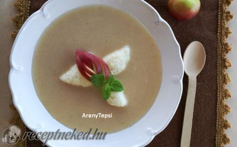Almakrémleves tejbegrízgaluskával recept fotóval