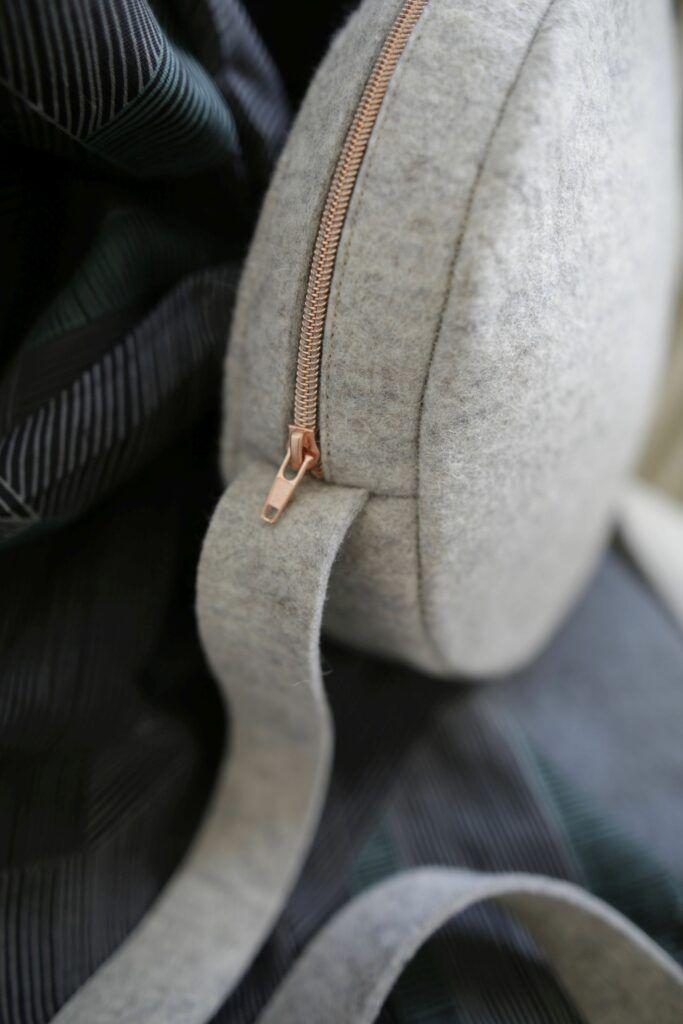 Cose tú mismo una bolsa circular de moda, con instrucciones gratuitas