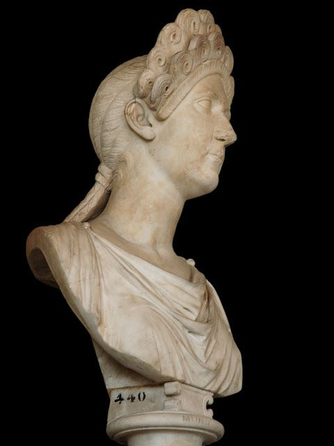 POMPEIA PLOTINA,WIFE OF TRAJAN  HEAD OF PLOTINA WITH A DIADEM  Reinette: Ancient Roman Hairstyles and Headdresses from the Flavian Dynasty to the Age of Trajan 69-117