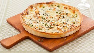 Pizza met 4 soorten kaas