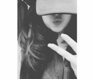 Stylo Girl Black N White Dp For Fb Whatsapp Profile Picture For