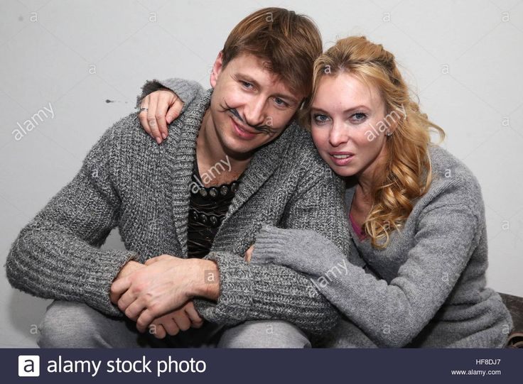 Moscow, Russia. 28th Dec, 2016. Figure skaters Alexei Yagudin (L) and Tatiana Totmianina seen ahead of the premiere of The Nutcracker and the Mouse King ice show staged by Ilya Averbukh at the VTB Ice Palace. The show is based on a story by E. T. A. Hoffmann. © Vyacheslav Prokofyev