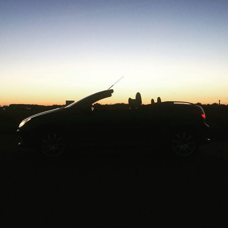Peugeot 206 cc S16 in sunset #peugeot #cabrio #sunset #206 #cc
