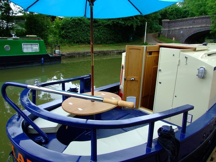 "narrowboat builders ~ bespoke narrowboats ~ narrowboat fitters - ""mad hatter"""