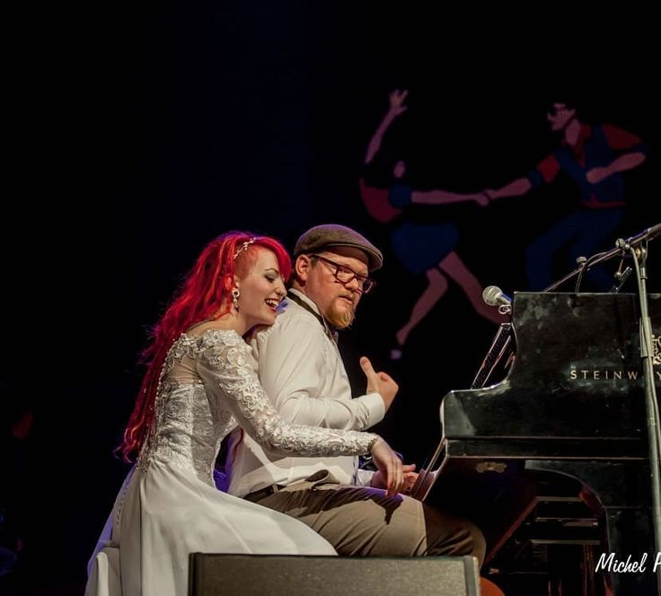 Just married on stage 😍❤🎹 photo by #michelpiedallu at the boogie woogie festival LaRoquebrou 🎹 #stage #steinwayandsons #steinwaypiano