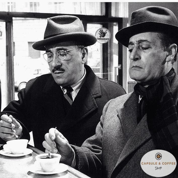 È presto per il cappotto, molto presto, ma per un buon caffè è sempre il momento giusto :-) ☕️❤️