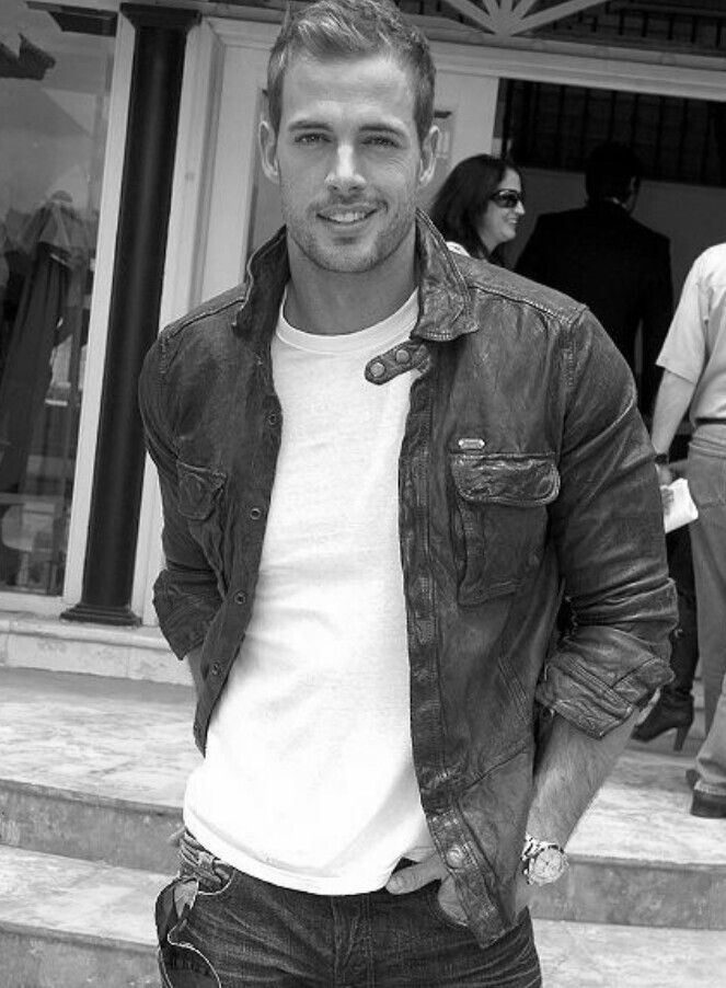 William Levy @Chelsea Rose P umm.. OW OW!! grrrr RAWRRR!! This guy right here... he wants to have your babies.