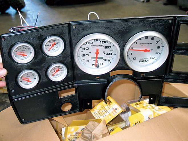 131 0703 17 Z+1974 Chevy K5 Blazer+gauges - Photo 9636243 - Building a Premudder - Part 4
