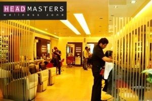 Headmasters (Raynes Park) is an award-winning salon offering hair services ranging from hair coloring for women, men and children to Hairdressing Courses and much more. This is the best hair salon in Raynes Park London. We provide reasonable price service.