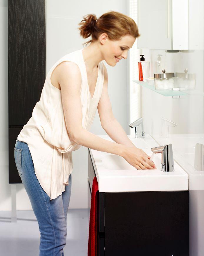 Een elektronische kraan is een must in de hedendaagse badkamer