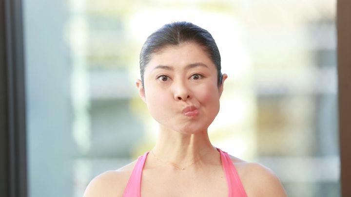 """サラバほうれい線! 話題の""""顔ヨガ""""で若返りリフトアップ!!の1番目の画像"""