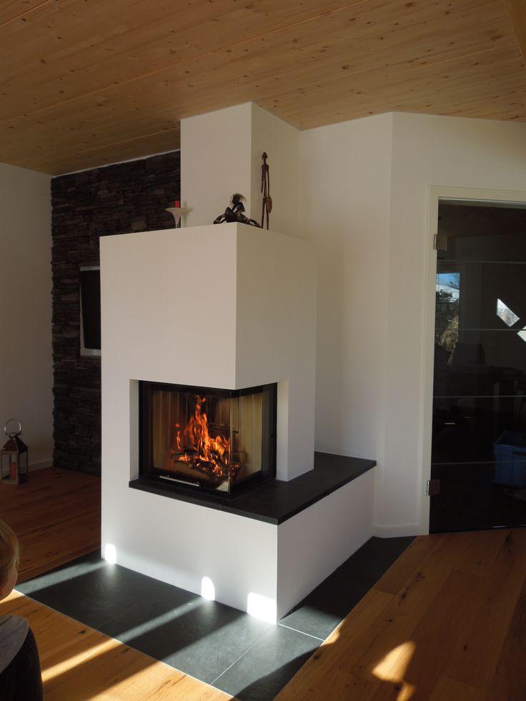 Moderner 2seitiger Heizkamin schlicht wei gemauert mit Natursteinbank fireplace Heizkamin
