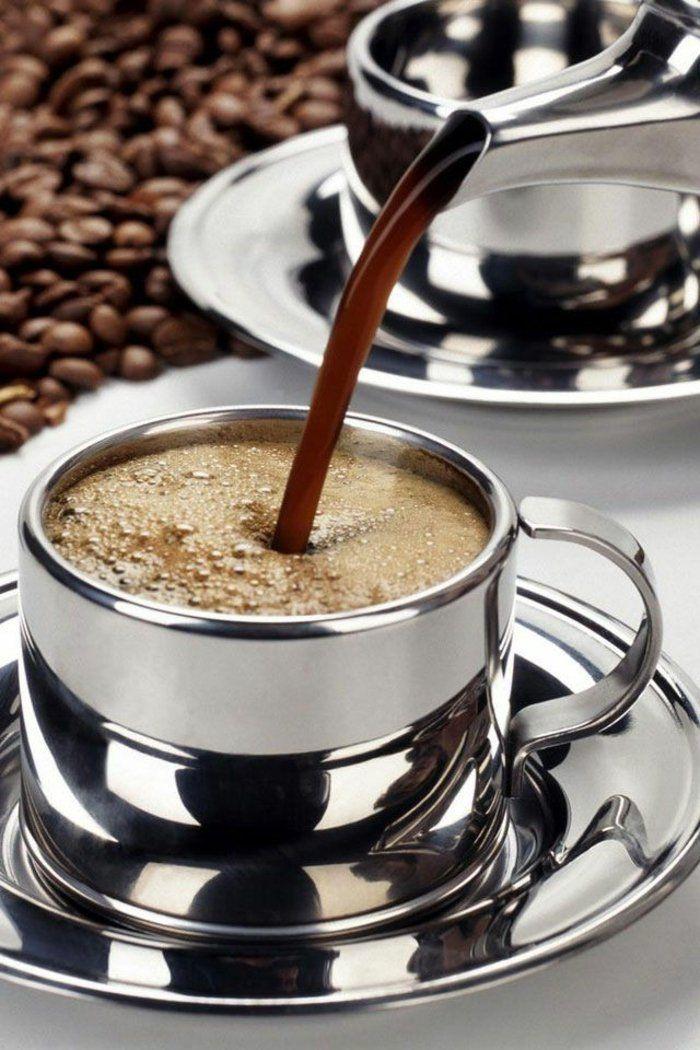 tasse à café originale avec beaucoup de cafe et bonne humeur