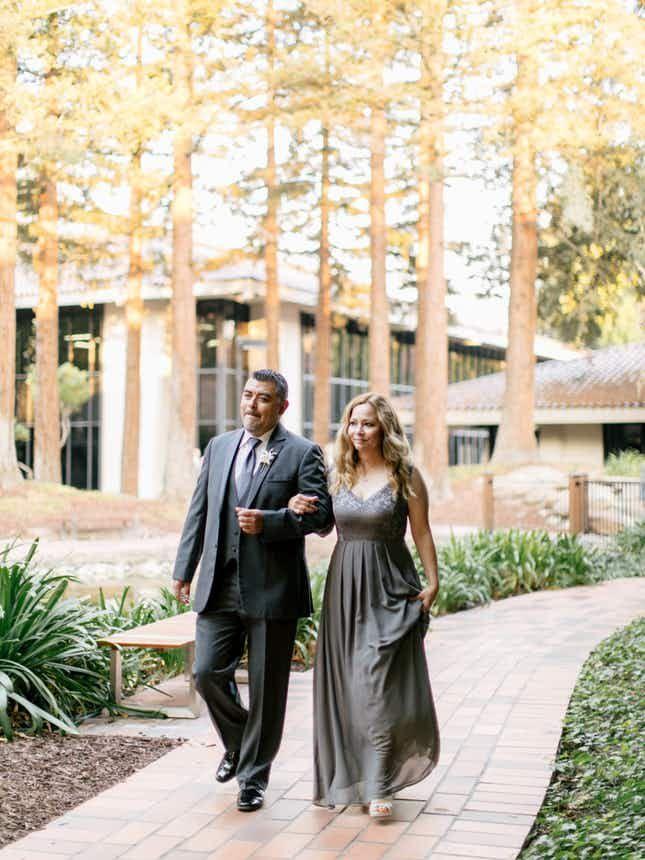 5c82104723f1c784a074f42d9ec6632b - Freedom Hall And Gardens Wedding Photos