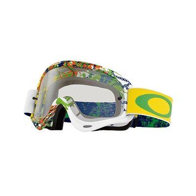 MX Oakley XS O Frame Moto Monster Green  è il best seller dell'azienda californiana: la maschera più venduta nella storia di Oakley, semplicemente perfetta, adatta a qualsiasi tipo di viso. Nata nel 1998, grazie al suo design rimane sempre attuale.